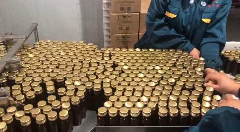 上海明恩-立式圆瓶星盘贴标机